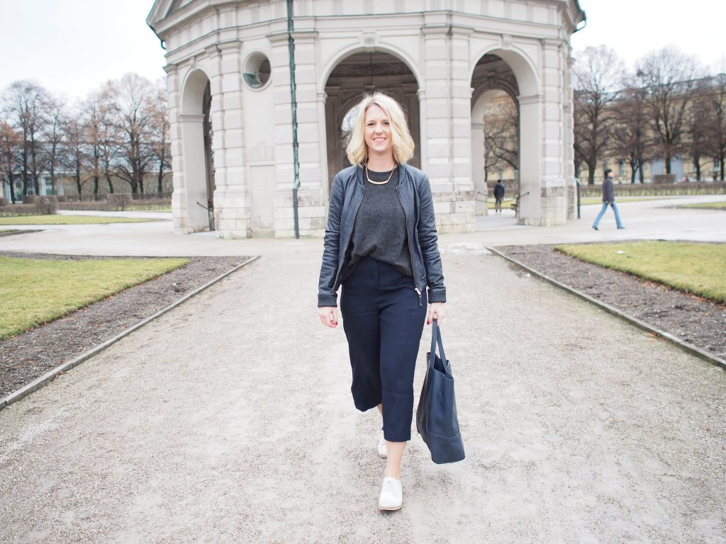 Outfit Culotte blau All Over Look