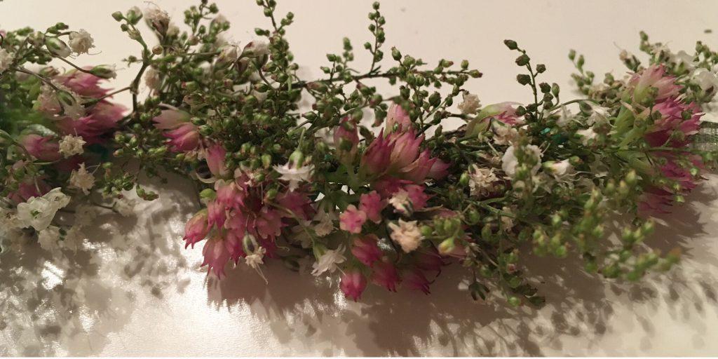 Blumenkranz binden - der fertige Blumenkranz