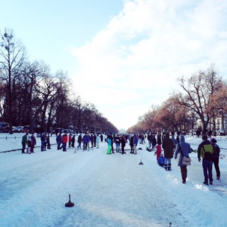 Eisstockschießen auf dem Nymphenburger Schlosskanal